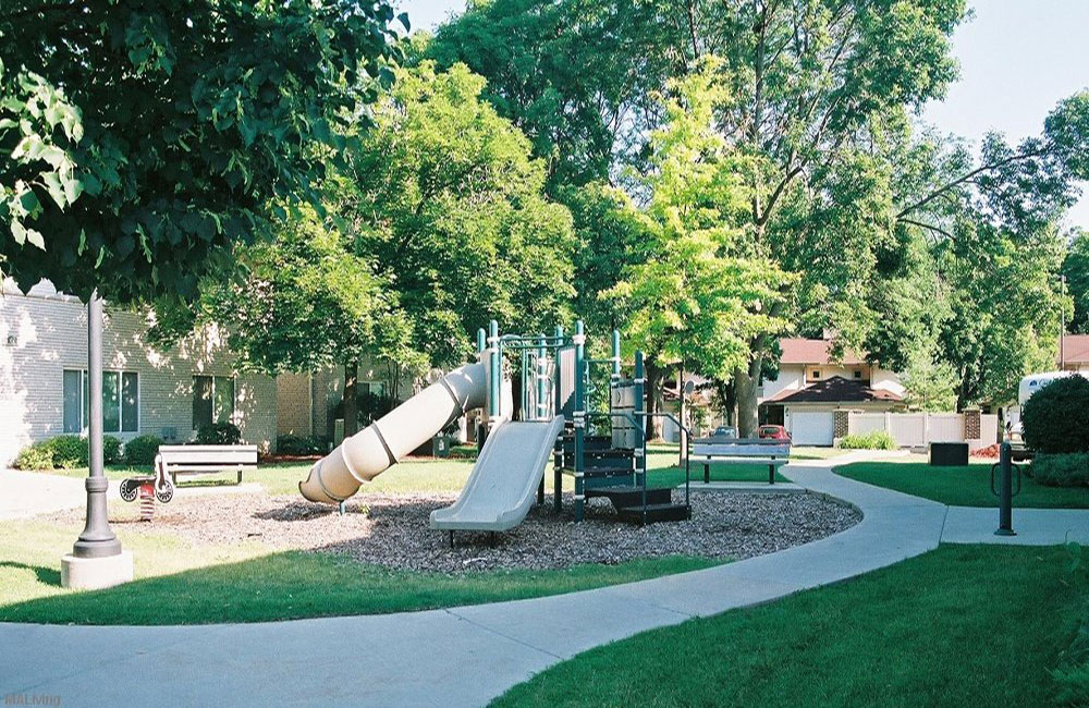 Monona Shores Playground and Walking Path